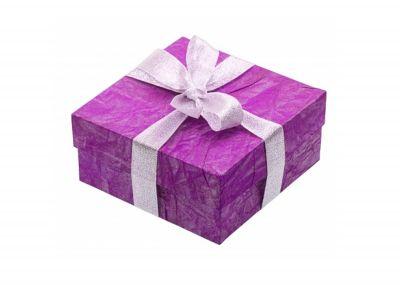 Dárkové balení Střední (bralet + kalhotky) | bílá krabička + mašle se srdíčky, hnědá kraftová krabička + mašle se srdíčky, bílá krabička s puntíky + růžová mašle, hnědá kraftová krabička s puntíky + růžová mašle